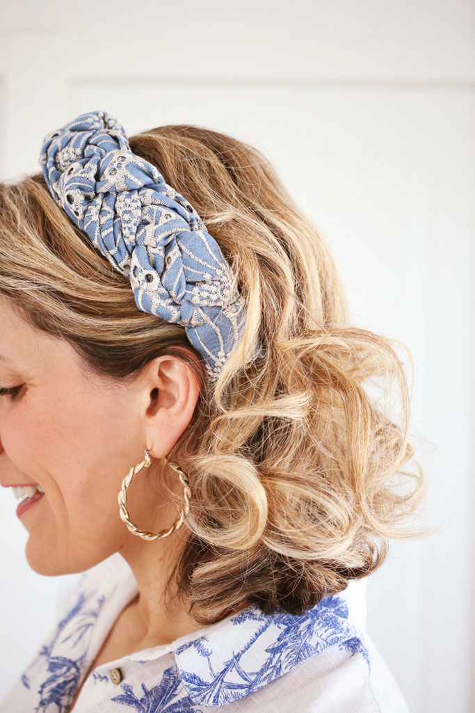 Serre-tête Sasha Broderie Anglaise Bleue - Maison Célestine